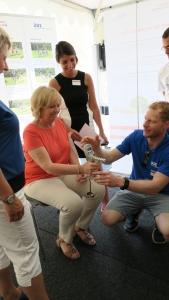 Hannelore Kraft, Ministerpräsidentin NRW besucht den NAKO-Stand beim 70Jahre NRW-Fest